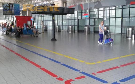 wynajem samochodów na lotnisku sofia levně